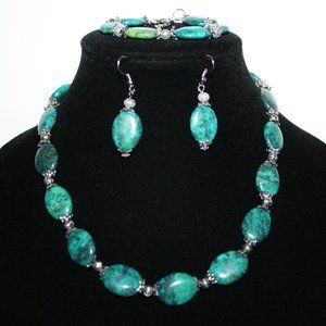 Beautiful stone earring, necklace and bracelet set